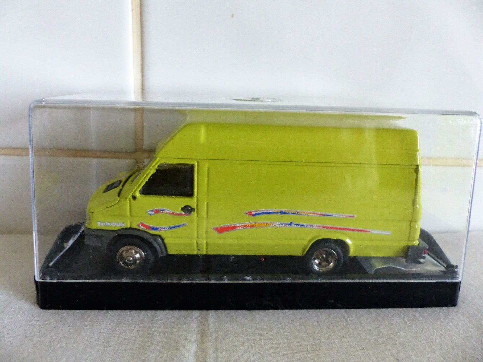 OLD-CARS MADE IN ITALY-FIAT IVECO TURBODAILY LARGE PANEL VAN-MINT & BOXED MODEL