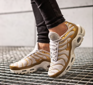 NIKE AIR MAX PLUS TN  METALLIC gold  (605112 054) UNISEX TRAINERS