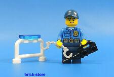 LEGO®  City / Polizei  Figur (Nr.2)    Polizei mit Funkgerät und Handschellen