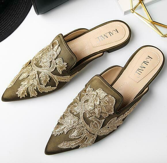 Fashion Wouomo scarpe Pointy Toe Embroidery Slippers Flat Heel Pumps Mules Roman