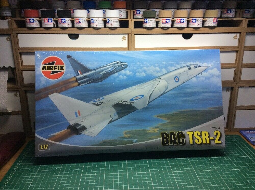 BRAND NEW  AIRFIX 1 72 SCALE BAC TSR-2 KIT NO. 07004