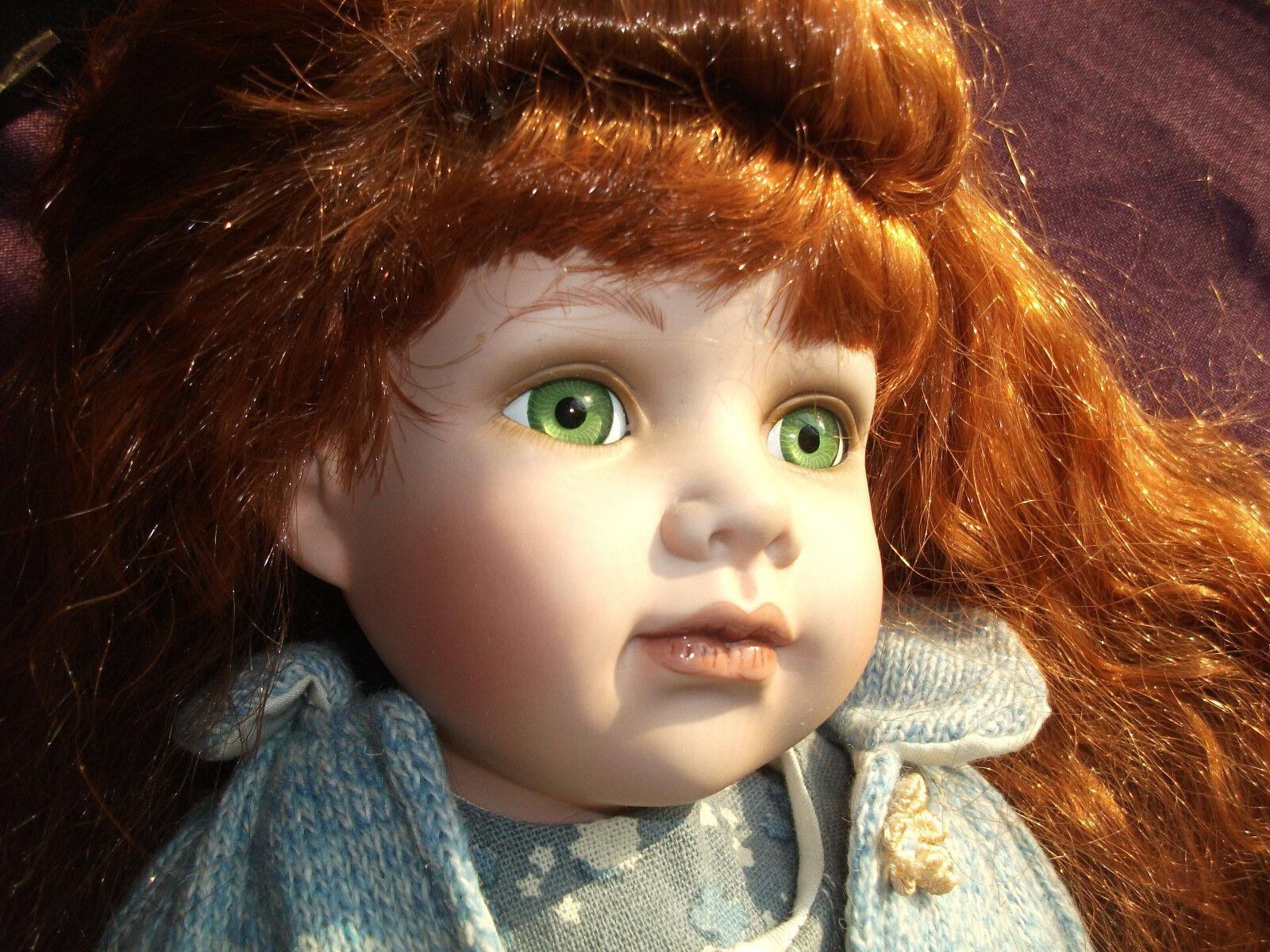Duckhouse Reliquia De Porcelana Fina Ojos verdes Muñeca Dulce Hermoso Pelo Rojo