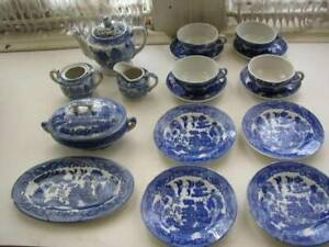 1940-50-Blue-Willow-Made-in-Japan-19-pc-XL-Child-s-Tea-Set
