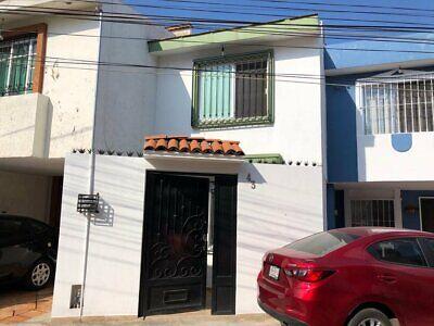 BONITA CASA EN VENTA EN AV. BELISARIO DOMINGUEZ, JARDINES DE STA ISABEL, GUADALAJARA, JALISCO.