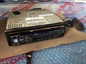 land rover defender 90 110 alpine cde 133bt radio cd. Black Bedroom Furniture Sets. Home Design Ideas