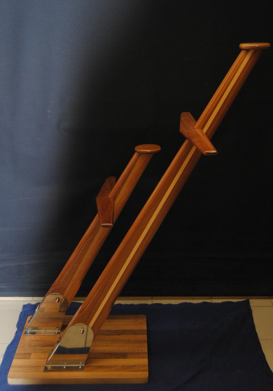 Lichtmast MotorStiefel Flaggenmast Holz Geräteträger mit Kabelkanal 100 cm
