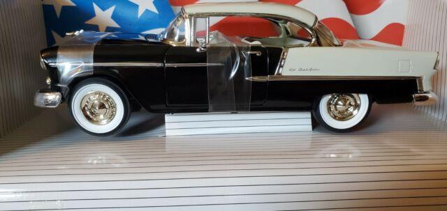 American Muscle 1/18 Die Cast Cars 1955 Chevrolet Bel Air Ertl