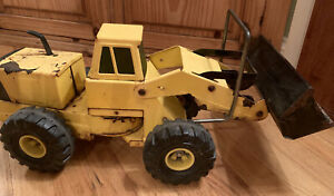Vintage-1970-039-s-Tonka-Front-Loader-XMB-975-Yellow-Pressed-Steel-Toy-Construction