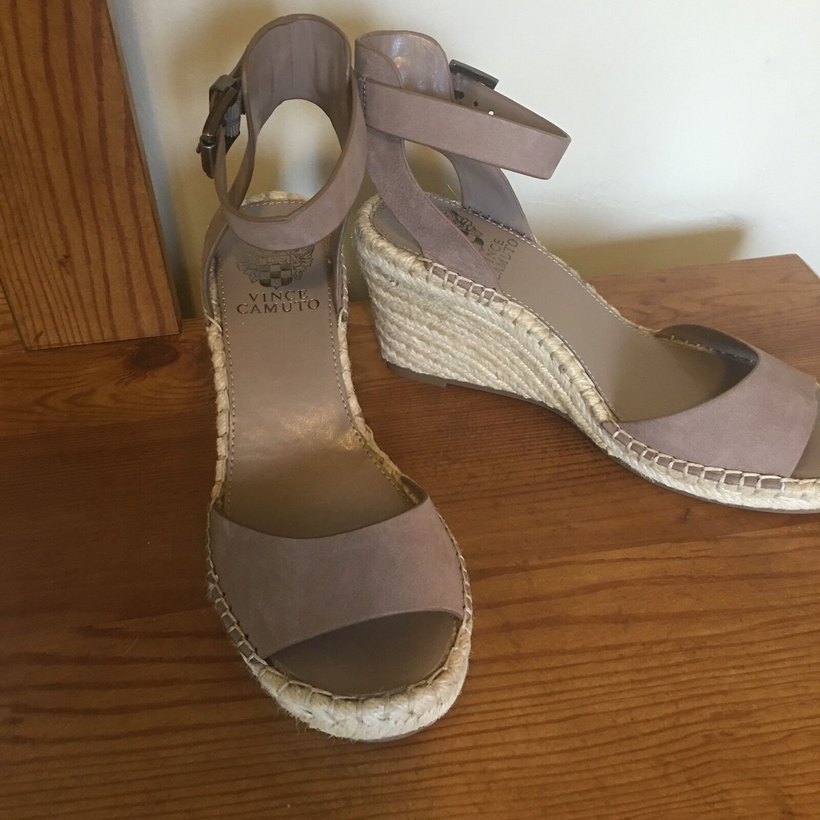 Vince Camuto Tagger Espadrille Leather Wedge Open Toe Taupe Sandal Heel 10 M