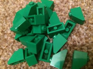 10 x LEGO BLACK Bricks 1x2 Slope Roof Pieces Parts Small  FAST FREE UK POSTAGE