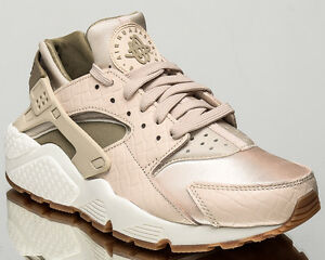 differently 0e0c0 eb7f0 Image is loading Nike-WMNS-Air-Huarache-Run-Premium-women-lifestyle-