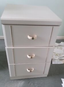 Chest Of Drawers 3 Drawers - Sherborne, United Kingdom - Chest Of Drawers 3 Drawers - Sherborne, United Kingdom