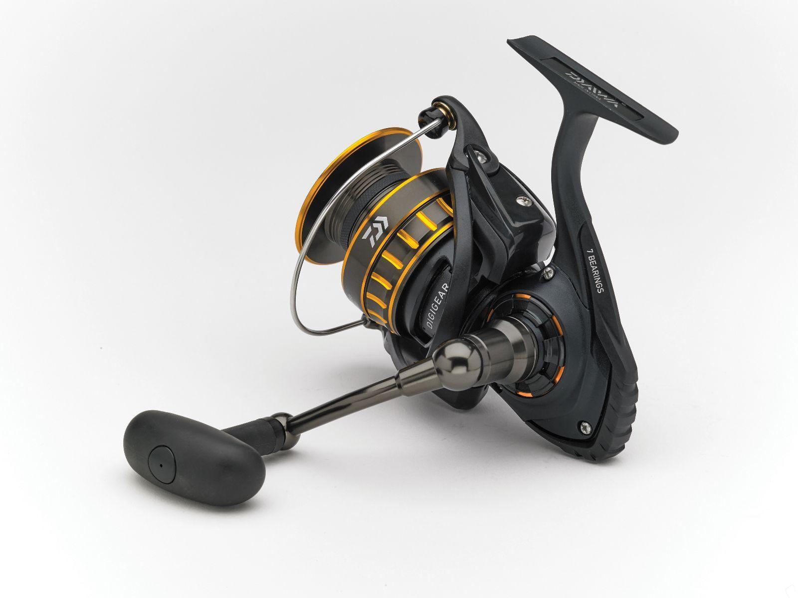 DAIWA NUOVO nero oro 2500-BG2500 Fisse Bobina Pesca Con Mulinello