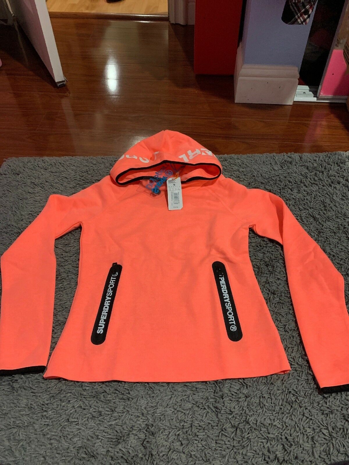 Superdry  Womens Hoodie Size Size Size Small (Regular) caa4f8