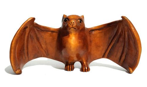 "Q4271-2/"" Hand Carved Japanese Boxwood Netsuke Beautiful Bat"