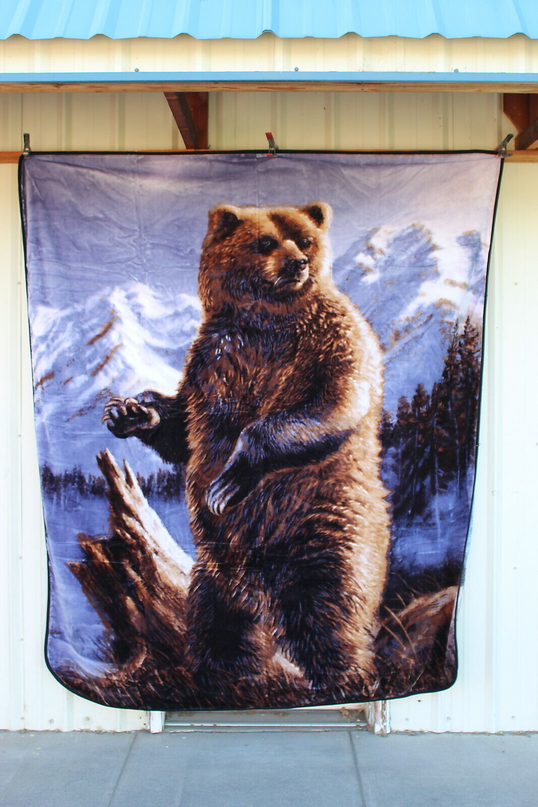 GRIZZLY BEAR MOUNTAIN SNOW QUEEN SIZE BLANKET BEDSPREAD
