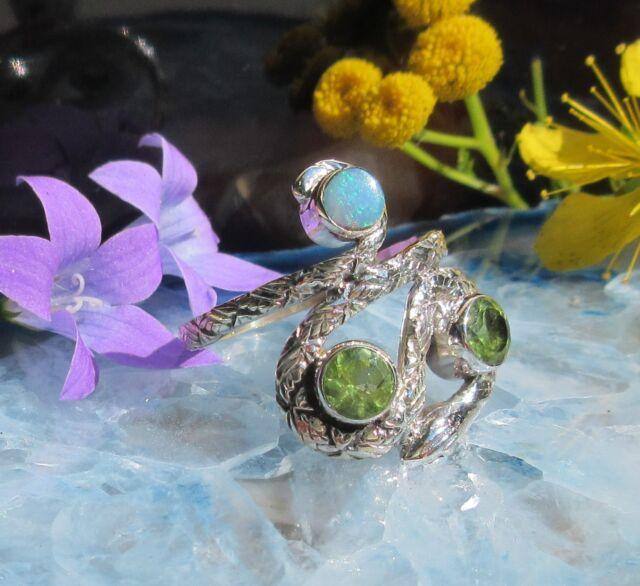 Anello serpente argento 925 con pietra peridoto verde e opale di Fuoco Blu