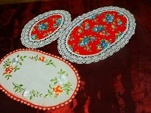 lot-fond-rouge-roses-anciennes-3napperons-vintage-ovales