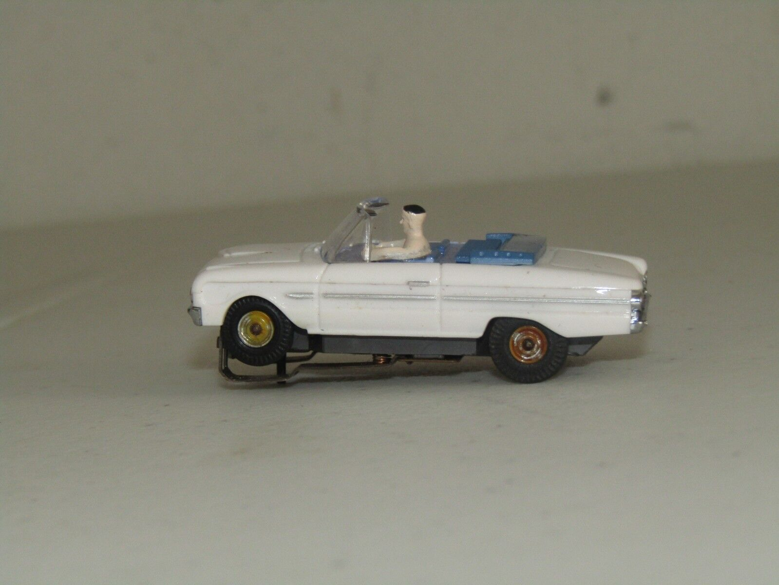 SLOT CAR  EARLY TJET  FORD GALAXIE CONVERTIBLE 1963-69 (WHT)   1351 PRISTINE