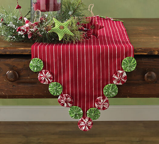 Merveilleux Park Designs Yoyo Christmas Table Runner 13x48in Red With Green Round Yoyos  | EBay