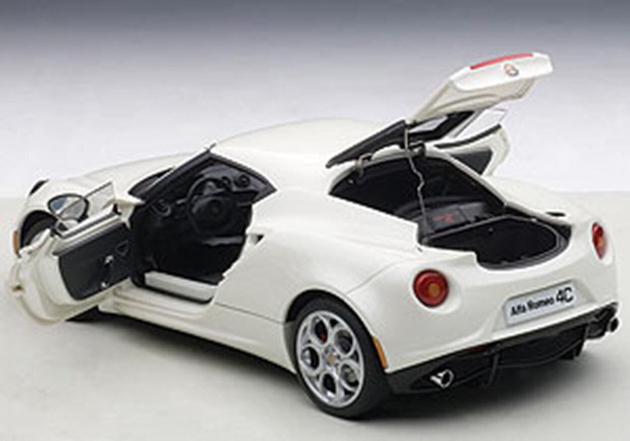 Autoart Alfa Romeo 4c Weiß Zusammengesetzt Modell in 1 18 Maßstab Neu  Im Lager