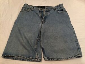 Vintage-90-039-s-Levi-039-s-Silver-Tab-Loose-Fit-Denim-Jeans-Shorts-Size-33-Made-in-USA