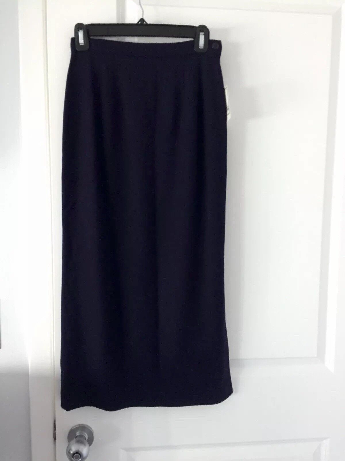 Gianni Navy bluee Skirt Fully Lined Side Split Left Side  Size 4P Retail  NWT