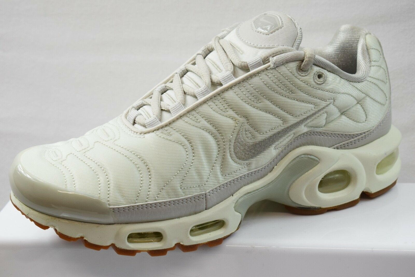 1735cb449f NIKE AIR MAX PLUS TN LADIES TRAINERS BRAND NEW SIZE UK 4.5 (HF13 ...