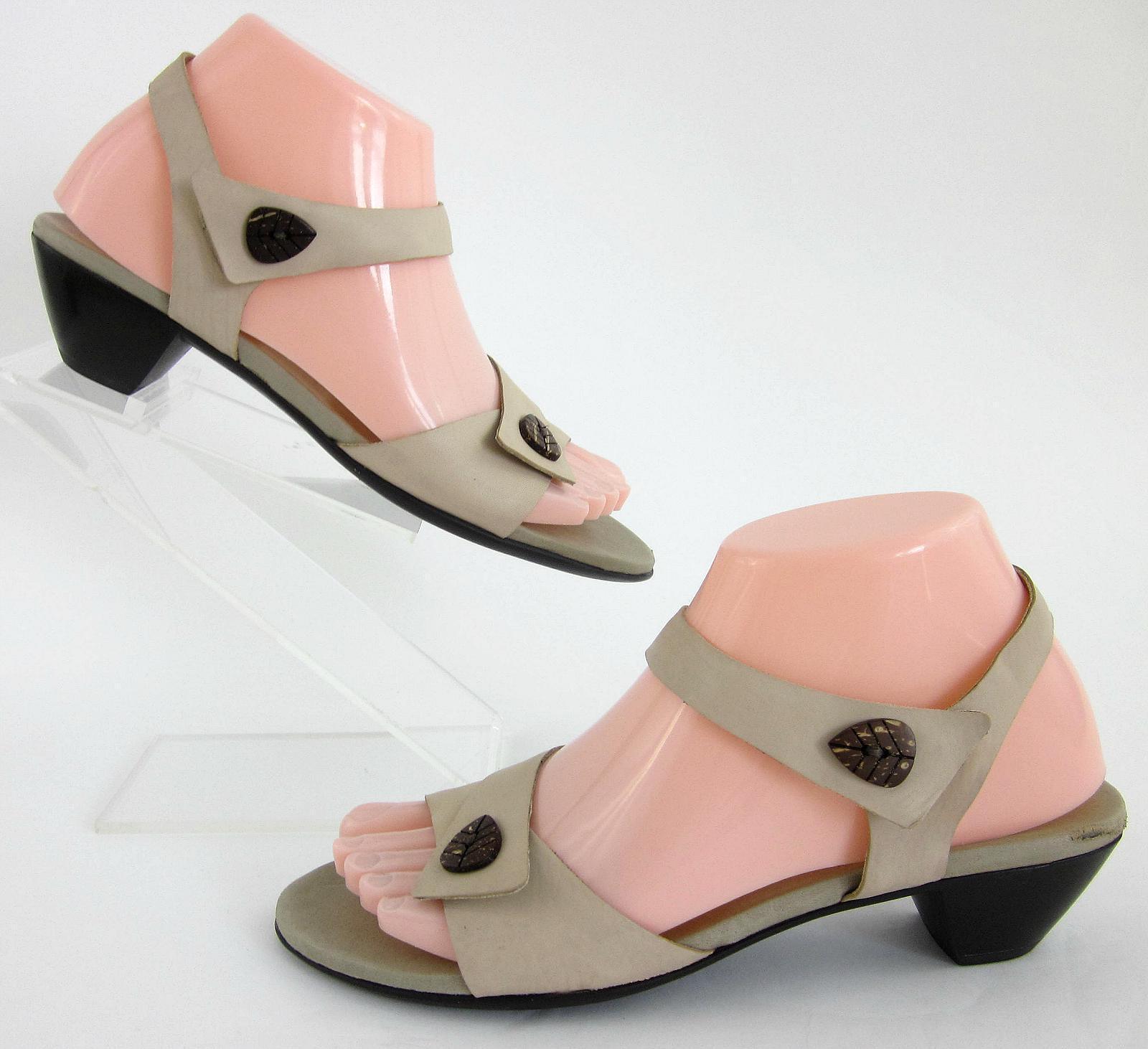 Munro American 'Palau' Calfskin Sandals Natural Tan Sz 7.5N Narrow