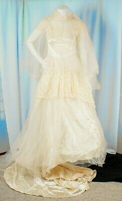 WEDDING DRESS STRAPS ivory white tulle vintage beaded feather lace veil silk