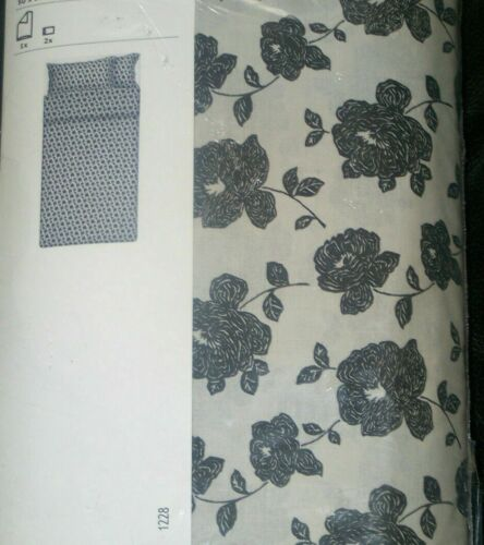 IKEA Fjalltag Duvet Quilt Cover /& Pillowcase s White Black Floral Buttons Off