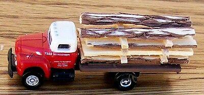 N Classic Metal Works-Santa Fe 6 Wh Flat Bed Truck w/Rough Cut Lumber