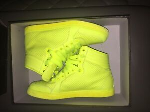 Gucci coda neon yellow leather sneaker