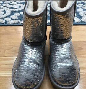 UGG-Australia-Womens-Girls-Sequin-Classic-BOOTS-Size-5-SILVER-EXCELLENT-1X-Use