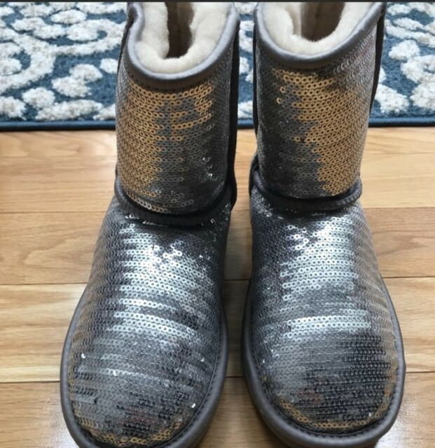 UGG Australia Womens Girls Sequin Classic BOOTS Size 5 SILVER, EXCELLENT 1X Use