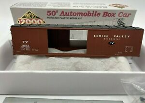 Proto-2000-HO-50-039-Automobile-Box-Car-Lehigh-Valley-LV-8543-With-End-Doors