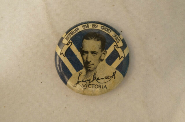 Cricket -Scarce - Vintage 1950 Argus - Player Badge - Lindsay Hassett - Victoria