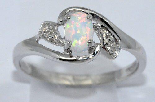 6x4mm Opal /& Diamond Oval Ring .925 Sterling Silver