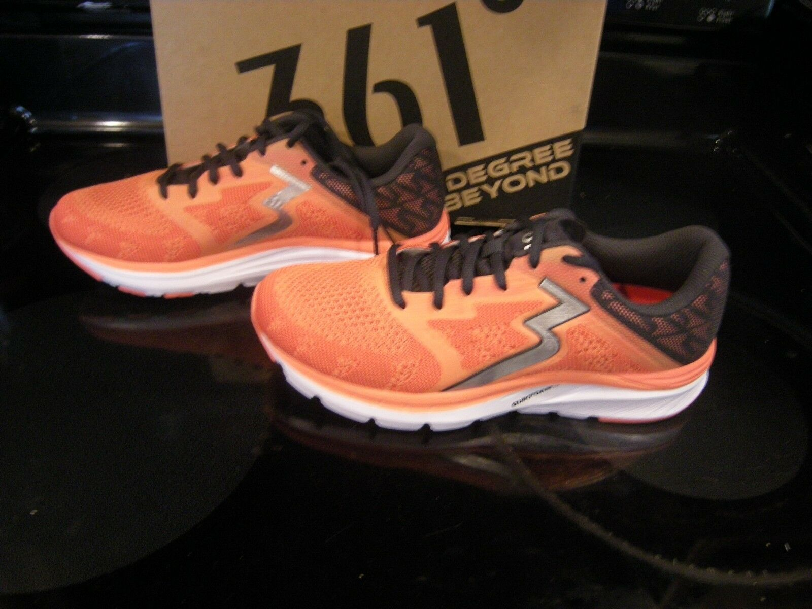 Brand New Womens Cali Coral & Ebony 361 Spinject Running Shoes, Size 8