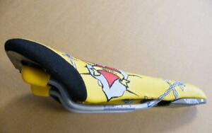 Vetta-Yellow-Love-saddle-with-barbwire-emroidery