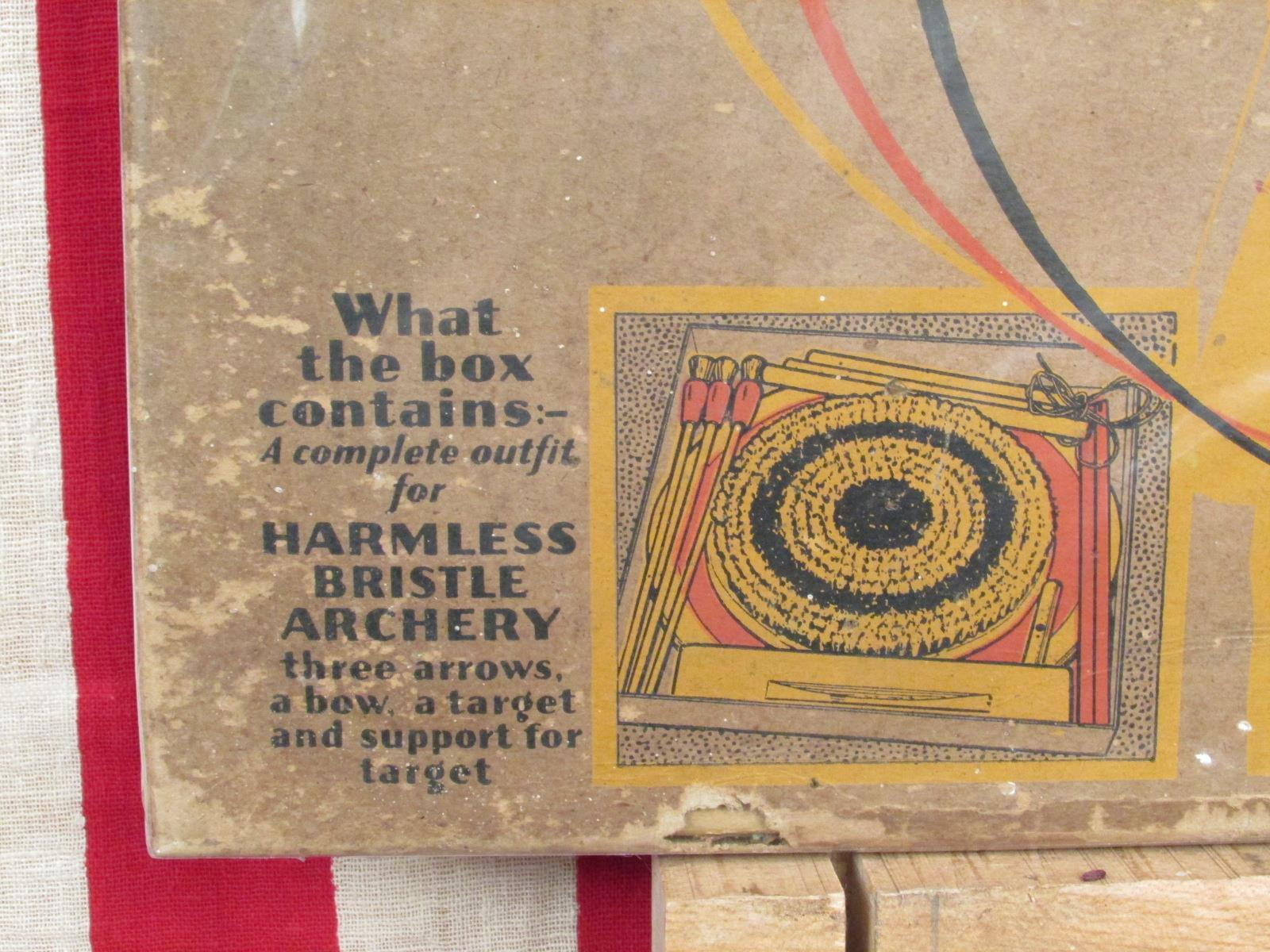 Vintage 1913 Bristle Bristle Bristle Archery Bow & Arrow Game Victorian Antique Morrison Brushes e49207
