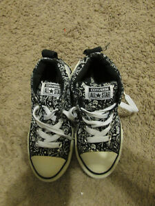 6a04acce512c Image is loading CONVERSE-ONE-STAR-Kids-doomrf-Skulls-hightop-Sneakers-