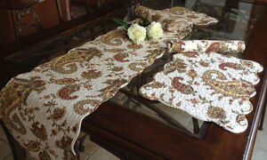 Paisley-Quilted-Cotton-Table-Runner-and-Placemats