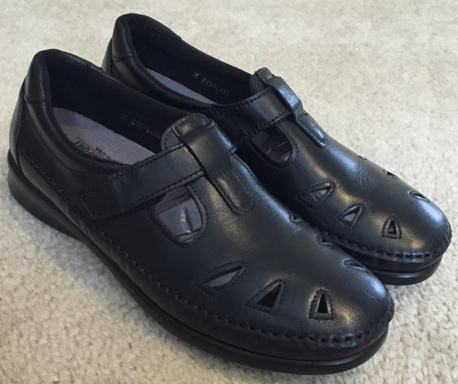 Women's SAS Roamer Mary Jane Style Black Leather shoes  Sz. 8 M    167