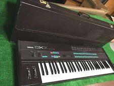 Yamaha DX7 61 key Synthesizer Keyboard with original hard case