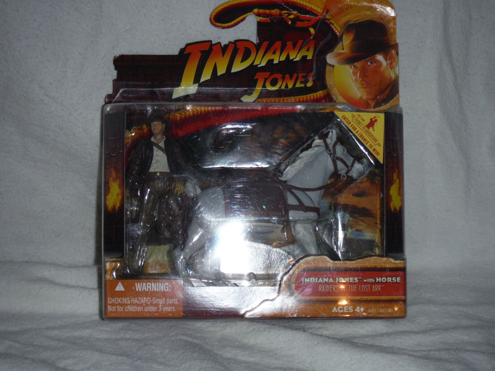 INDIANA JONES DELUXE FIGURE  INDIANA JONES WITH WITH WITH HORSE 82cc4c