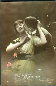 Lovers-valentine-courting-couple-postcard-hand-coloured-antique-Le-Baiser
