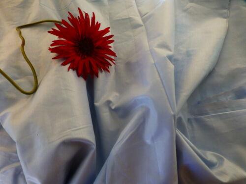 genre satinette bleue ;6m,30x2,80 jamais utilisé coton  grand tissu