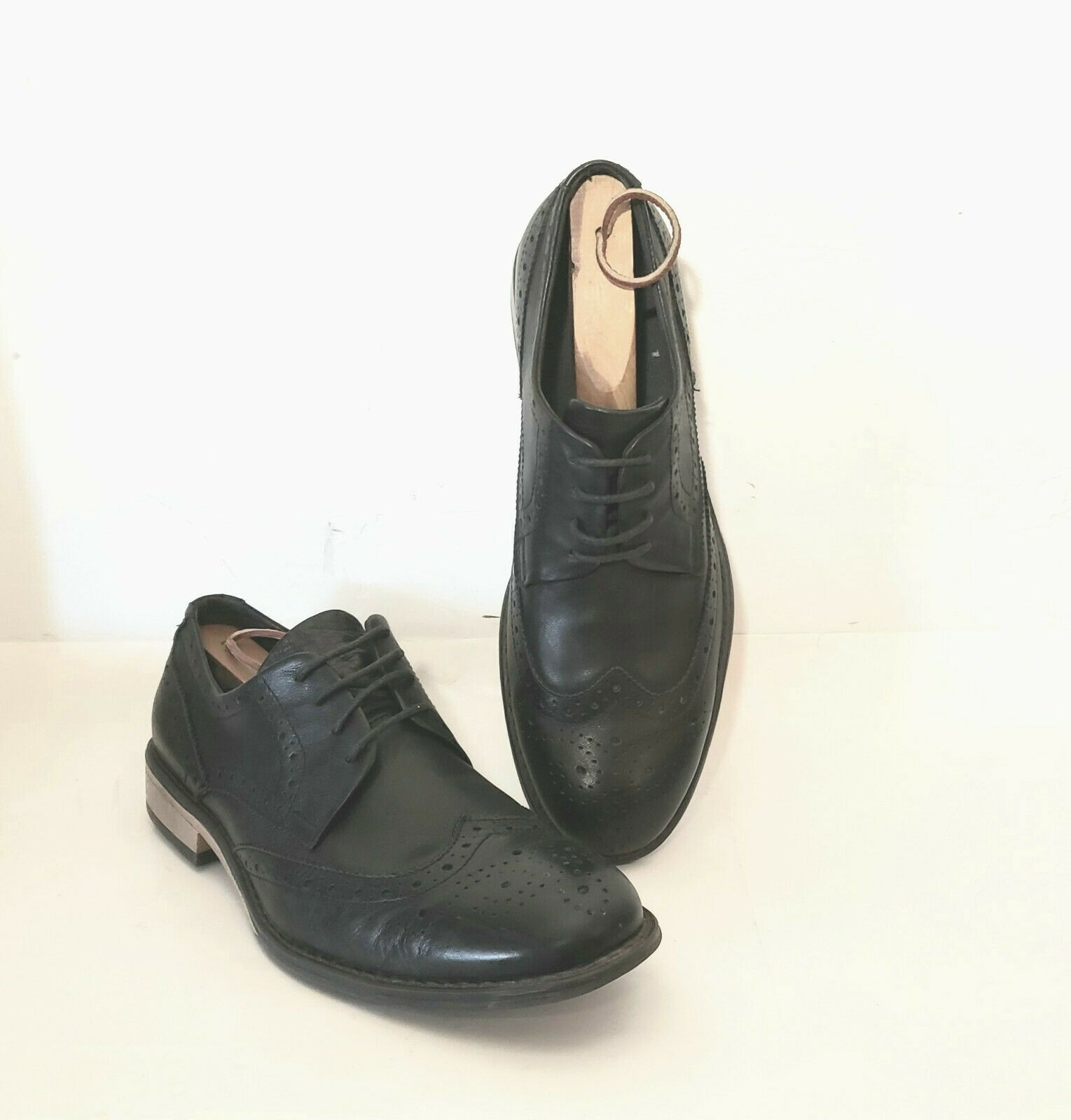 J75 By Jump Malone Oxford Wingtip Men's Shoes Black Leather. Size 9.