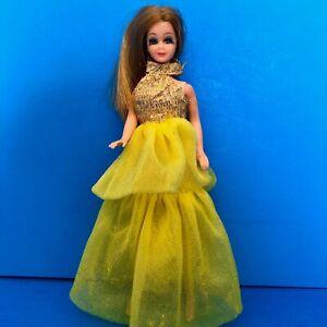 Vintage-1970-Topper-Dawn-Doll-Blonde-Hair-wearing-GOLD-GLOW-SWIRL-721-DRESS